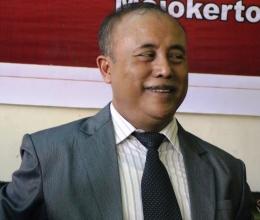 BANGGA : Drs. H. Sugiono, M.Pd. (Kepala SMAN 1 Bangsal)/dokpri