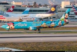 Livery Disneyland kreasi Alaska Airlines. Sumber: Thom Luttenberg / planespotters.net