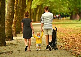 Ilustrasi Orangtua dan Anak (Sumber gambar: pixabay.com)