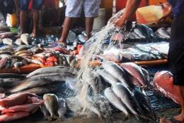 Suasana Pasar Ikan Oeba Kupang. Foto: mediaindonesia.com.