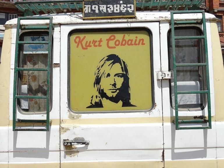 Masalah kesehatan fisik dan mental yang dideritanya hampir seumur hidup akhirnya membuat Kurt Cobain merasa sangat lelah (wikipedia/Adam Jones)