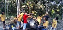 foto.dok.pribadi/sampah yang dikumpulkan ditimbang untuk mengetahui berapa banyak sampai yang terkumpul