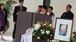 ibadah penghiburan atas meninggalnya Batara Simatupang (sumber: sbsinews.com)
