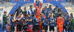 Inter Milan merayakan gelar juara Serie A 2020/2021. (via cultofcalcio.com)