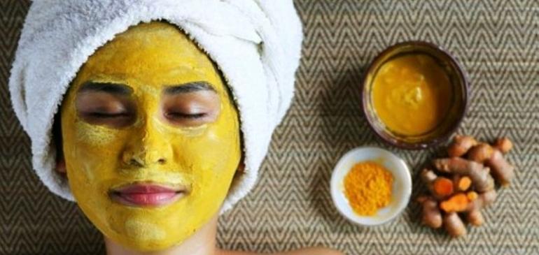 Skincare wajah kaum hawa. Foto: farmaku.com