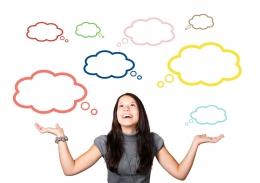 Ilustrasi orang berpikir memilah baik dan buruk (sumber gambar oleh Gerd Altmann dari Pixabay)