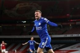Jamie Vardy gagal membawa Leicester masuk empat besar klasemen akhir Liga Inggris. foto: AFP/CATHERINE IVILL dipublikasikan kompas.com