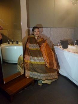 Proses Batimung (sumber foto: Indonesiatripnews.com)
