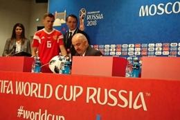 Stanislav Cherchesov (paling kanan) saat berstatus sebagai pelatih Rusia di Piala Dunia 2018. Pada 1992, dia menjadi bagian skuat CIS di Euro 1992. foto: BOLASPORT.com/FIRZIE IDRIS