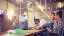 tetp bergembira dalam lingkungan toksik penuh persaingan (klikdokter.com)
