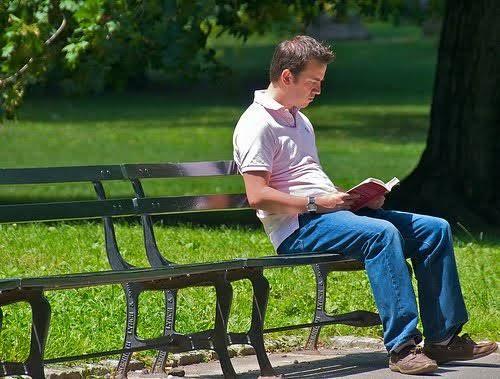 Ilustrasi orang introvert (Sumber: psikologid.com)