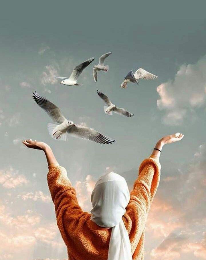 Ilustrasi. Muslim girl wallpaper by Ertugrulmdn/ Pinterest