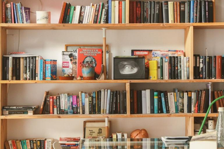 Sepakat dengan Tere Liye, Jangan Beli Buku Bajakan (Pexels)
