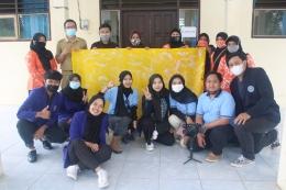 Tim KKN UM bersama dengan petugas GERDU SAWAH. (dok)