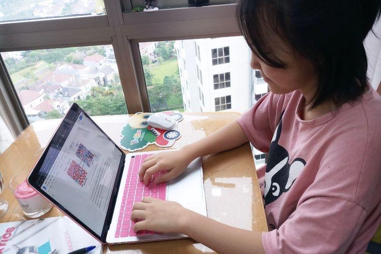 Jaeyi Kim, siswi kelas 7 Sinarmas World Academy (SWA) berbagi pendapat tentang belajar di rumah guna meredam perluasan wabah corona (Sumber: edukasi.kompas.com)