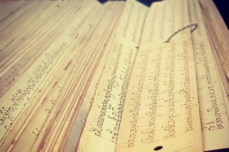Kitab Sutasoma yang berada di Museum Nasional Indonesia. (Foto: Instagram @museum_nasional_indonesia via Kompas.com)