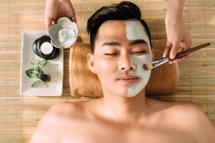 ilustrasi merawat kulit wajah. (sumber: shutterstock via kompas.com)