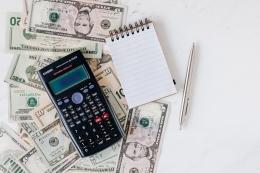 Ilustrasi strategi mengatur keuangan(pexels)