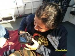Adi Fotografer asal Solo Menunjukkan Hasil Bidikannya   @kaekaha