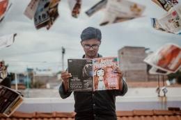 Ilustrasi lelaki sedang membaca majalah (sumber gambar: pixabay.com)