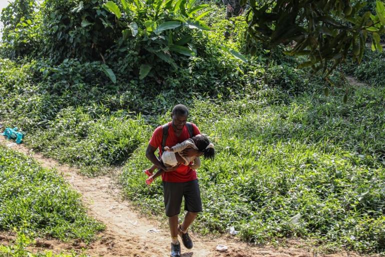 Imgiran melintas di Darien Gap. (Foto: UNICEF/Moreno Gonzalez)