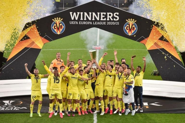 Pemain Villarreal merayakan gelar juara usai mengalahkan MU dalam laga final Liga Eropa. Sumber foto: instagram.com/villarrealcf