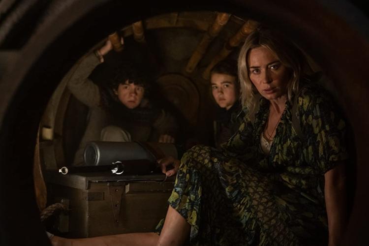 Noah Jupe, Millicent Simmonds, dan Emily Blunt dalam A Quiet Place Part II. (Sumber: IMDB via Kompas.com)