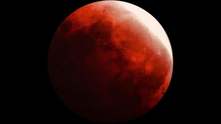 Gerhana Bulan Total (Dokumentasi Pribadi)