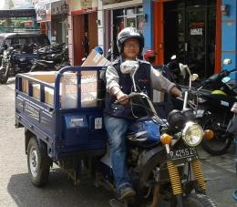 Perdagangan elektronik yang meningkat mendorong tumbuhnya jasa kirim barang. | Dokpri