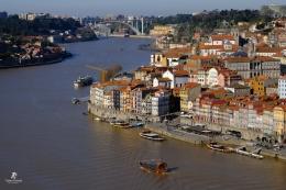 Kota Porto dan Sungai Douro   Sumber: koleksi pribadi