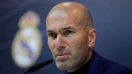 Zinedine Zidane memutuskan untuk berhenti sebagai pelatih Real Madrid. Sumber foto: Getty Images via Goal.com
