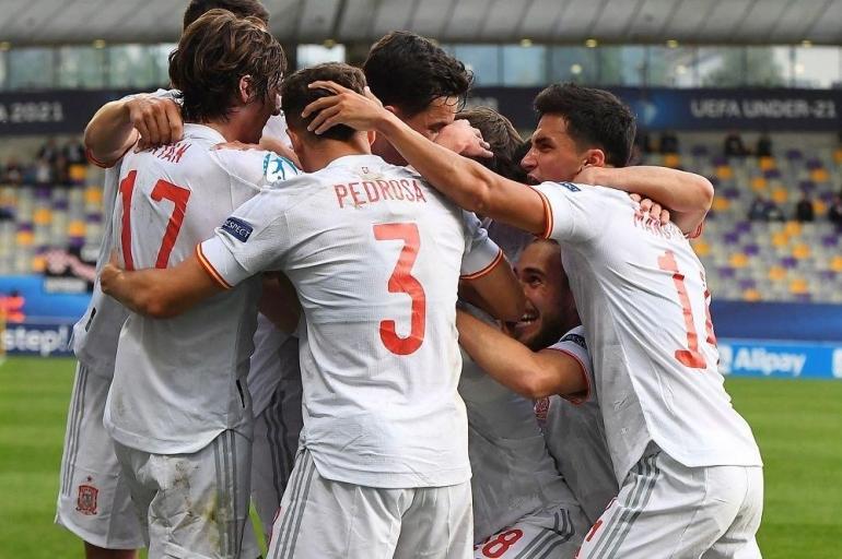 Pemain Spanyol U21 merayakan gol ke gawang Kroasia U21. (Sumber: AFP via www.uefa.com/)