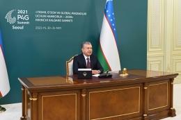 Presiden Republik Uzbekistan Shavkat Mirziyoyev saat menghadiri KTT P4g secara daring