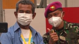 Saya dan Letnan Kolonel Laut M. Arifin. Selaku Kepala Humas RSDC Wisma Atlet Kemayoran, ia meng-update lonjakan pasien tersebut bukan untuk menakuti-nakuti. Tapi, agar kita semua lebih menaati protokol Kesehatan, untuk memutus rantai penyebaran Covid-19. Foto: Didik Wiratno