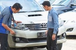 Ilustrasi konsumen tengah memilih mobil  Sumber: Mobil88 via Kompas.com