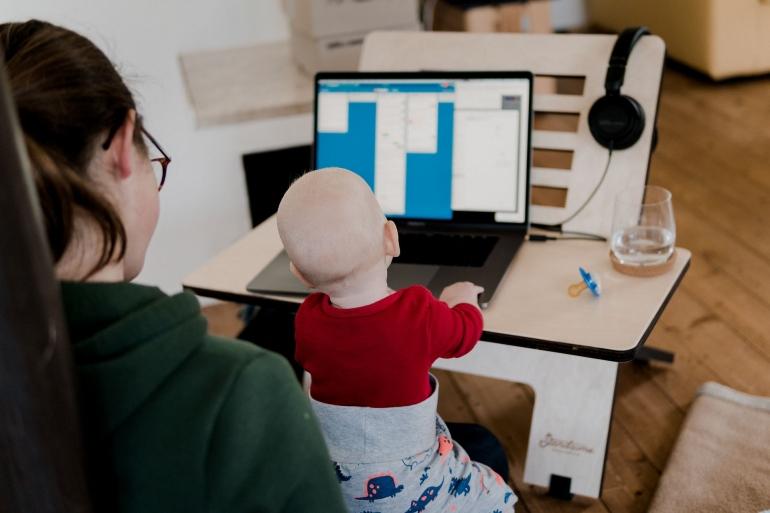 Ada alasan sah untuk mengambil cuti-libur walaupun bekerja dari rumah, termasuk karena kebutuhan anak (Standsome/Pixabay)