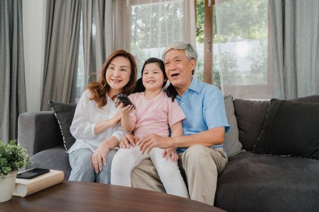 https://www.suara.com/health/2021/05/29/195341/tahun-2050-lansia-di-indonesia-dipredikasi-meningkat
