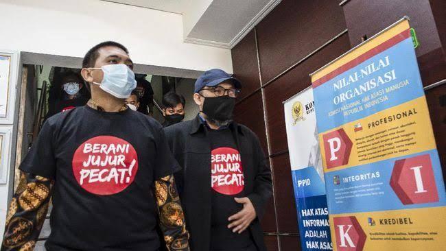 Pegawai KPK yang dipecat (pic: cnnindonesia.com)