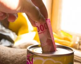Ilustrasi menyisihkan, bukan menyisakan uang | Gambar oleh lifepal.co.id