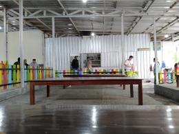Ada warung makan sekaligus tempat berteduh di Senjoyo   foto: KRAISWAN