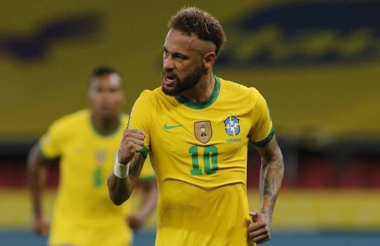 Neymar bintang Brasil mencetak satu gol dalam kemenangan 2-0 atas Equador (Foto AFP via Conmebol.com)