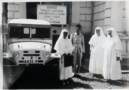 mobil eep hadiah Presiden Soekarno diterima oleh Para Suster SND ( dok pri)