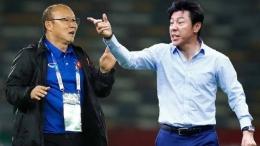 Park Hang-seo dan Shin Tae-yong, keduanya berasal dari Korea Selatan. Saat ini bersaing dalam kepelatina sepakbola. Sumber gambar ; indosport.com.
