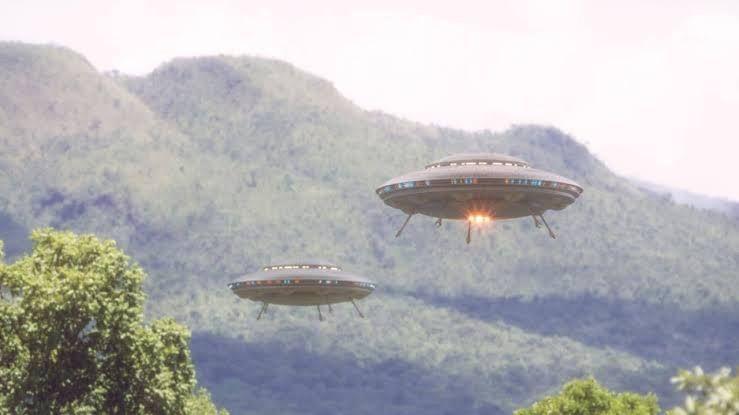 Illustrasi penampakan UFO (pic: news.com.au)