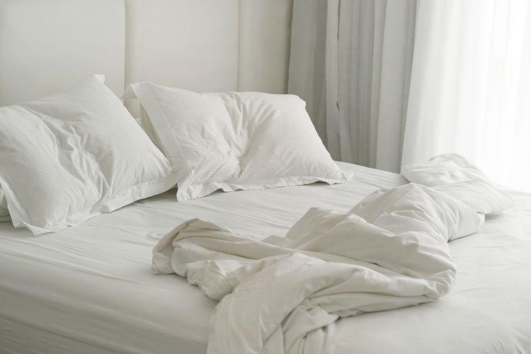 Ilustrasi mengapa membersihkan tempat tidur membuat hari kita menjadi lebih baik | Foto diambil dari Shutterstock via Kompas