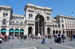 Pintu masuk Galleria Vittorio Emanuelle II (Dokumentasi pribadi)