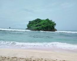 Gambar : Pantai Malang Selatan