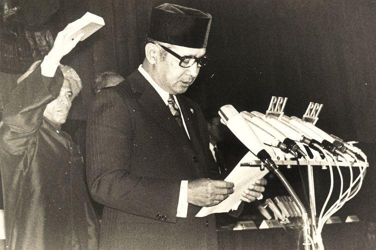 Presiden Soeharto saat dilantik | Fotografer: Pat Hendranto
