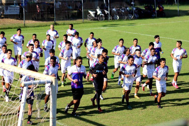 Hari pertama TC Rans Cilegon FC di Lapangan Yoga Perkanti, Jimbaran Bali, Sabtu (22/05/2021) sore. Rans United menjadi salah satu klub sepak bola yang diakuisisi pesohor   Foto: KOMPAS.com/SUCI RAHAYU