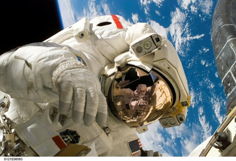 Kosmonot dan Astronot: Sekedar beda penyebutan atau ada perbedaan yang kentara untuk para penjelajah luar angkasa? (WikiImages/Pixabay)